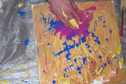 Voller Einsatz beim Action-Painting-Workshop