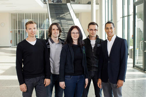 "Das Team ""Uplivion"" (v.l.n.r.): Sönke Greve, Richard Brown, Esther Tonks, Christoph Thöns und Florian Methner."