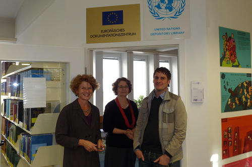 Das Team des Dokumentationszentrums UN-EU: Sabine Hertel, Bettina Palm und Michael Franke.