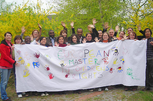 Studierende und Lehrende des European Masters in Childhood Studies and Children´s Rights (EMCR)