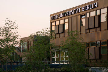 free university of berlin masters in english