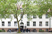 In 1959 the Otto Suhr Institute of Political Science moved into the building at Ihnestraße 22.