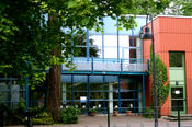 The Institute of Veterinary Physiology is located in Düppel at Oertzenweg 19b. A total of seven different institutes and clinics of the department are located there.