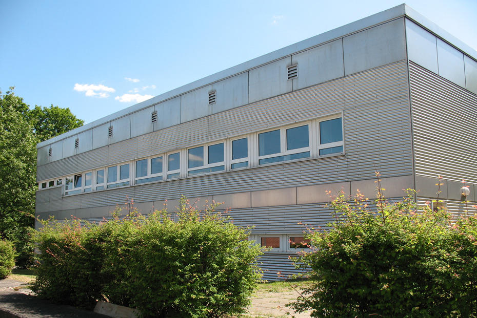 The Institute of Veterinary Biochemistry is located on the Düppel campus at Oertzenweg 19b, Building 12.