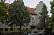 The John F. Kennedy Institute for North American Studies is located at Lansstr. 7–9 in Dahlem, across the street from the State Museum Complex.
