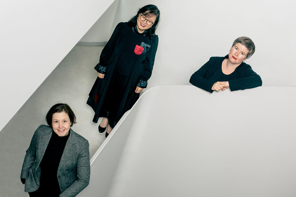Professors Elena Meyer-Clement, Eun-Jeung Lee, and Cornelia Reiher (from left to right) form the new board of the Graduate School for East Asian Studies at Freie Universität Berlin.