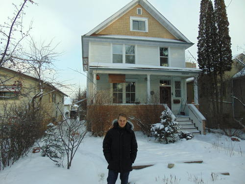 Robert Brundage says goodbye to the house where he lived during the semester.