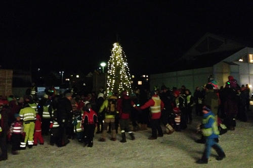 Norwegian tradition: The dance around the Christmas tree is a must - both during Advent and on Christmas itself.