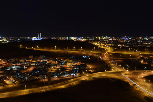 The lights of Muscat at night: Just as when Salome first glimpsed the city, it is dark again when she leaves.
