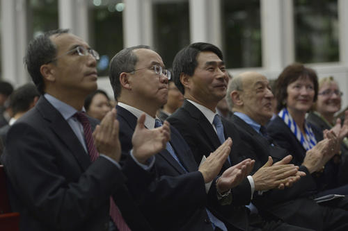 The Ambassadors of Korea, Japan, and China welcomed the founding of the new Graduate School.