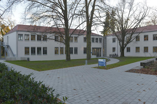 The Graduate School of East Asian Studies is located in Dahlem on Hittorfstr. 18.