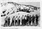 Ski group on the Printschenalm. First ski course offered by the Sport Institute in March, 1950: Dr. Goeldel and the first-semester students. Photo by Rose Christel Wittke, née Buchholz (student at Freie Universität, enrolled Nov. 1949).