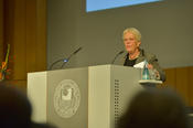 Carla Del Ponte recalled the many victims claimed daily by wars and dedicated the award to the people in Syrian refugee camps and hospitals.