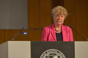 Gesine Schwan, a former president of the European University Viadrina, emphasized in her laudation that Carla Del Ponte belongs to an elite group of lawyers who laid the foundations for international criminal law.