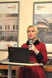 Sara Hanafy, Alexandria University, presents the results of one of the working groups