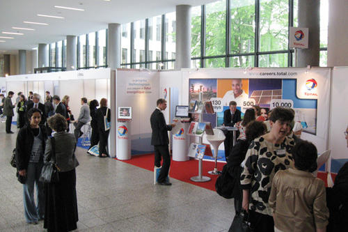 In May 2009 Apec, the German-French Forum, and the Franco-German University in Berlin held the first European research and career fair, RESEARCH, in the Henry Ford Building.
