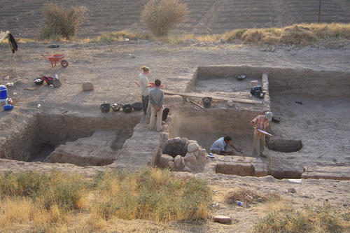 Excavation at Tell Fecheriye in Syria: The Topoi Cluster of Excellence deals with cultures of the ancient world.