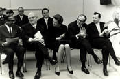 The founding professors at the inauguration of the building on Lansstraße, 1967 (from the left): Charles H. Nichols, Ernst Fraenkel, Ursula Brumm, Gerald Stourzh and Karl Lenz. Second row, at right: Hans Kolligs, who built up the library.