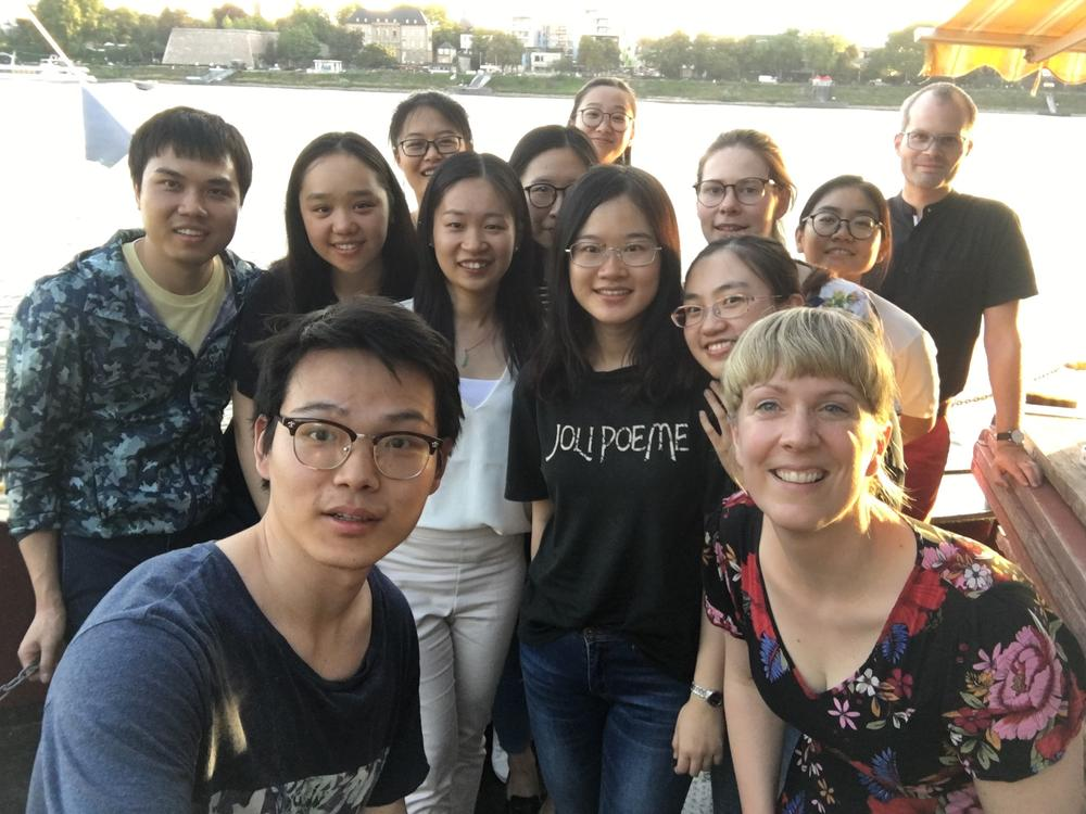 The excursion members in Bonn on the Rhine, joined by the ZDS PhD student HE Teng who currently works on his dissertation at Universität Bonn.