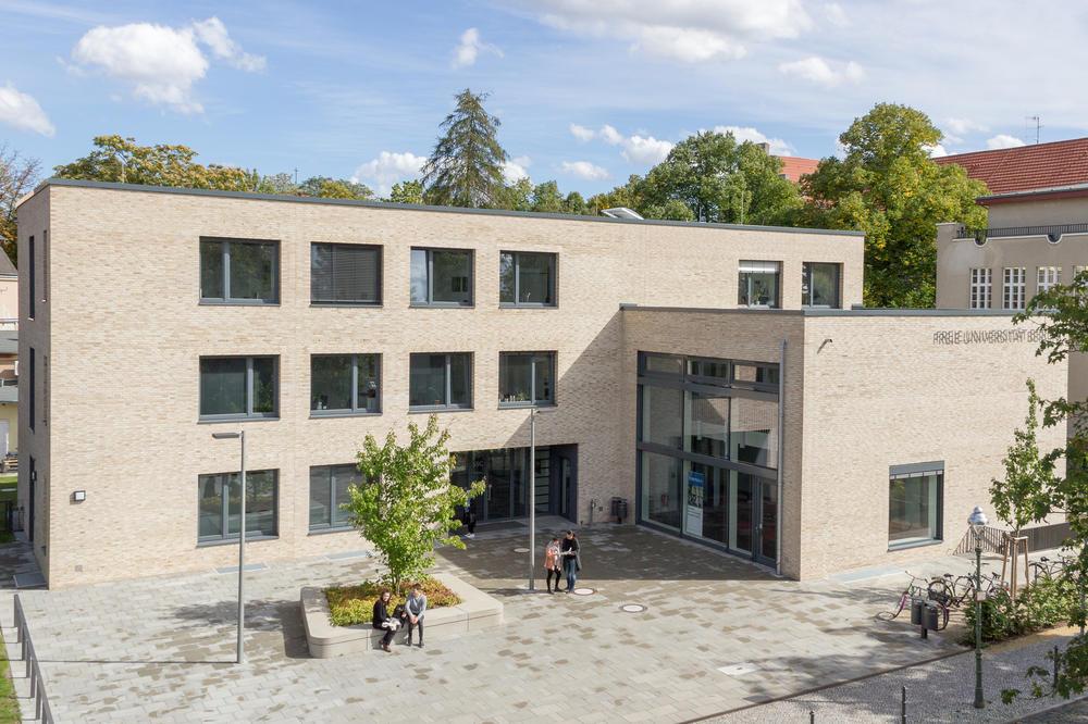 management marketing education freie universit t berlin. Black Bedroom Furniture Sets. Home Design Ideas