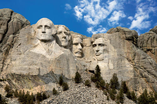 "Thomas Jefferson, Zweiter von links am Mount Rushmore, formulierte den Dreiklang ""life, liberty and the pursuit of happiness"" nicht als Erster."