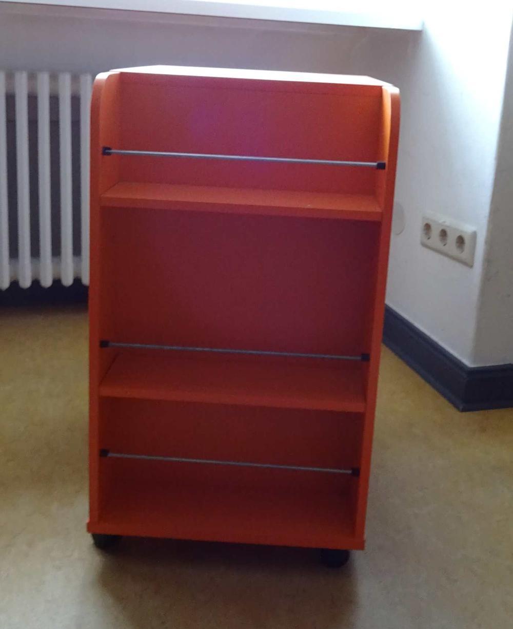 Kleiner Mehrzweck Schrank Auf Rollen Von Ikea Fundgrube Freie